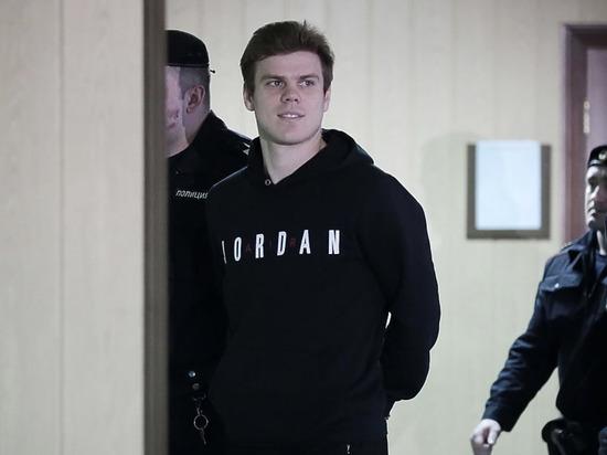 Дзюба подшутил над Кокориным, заявив, что тот подделал свой возраст