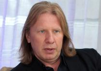 Известный российский продюсер и автор песен Виктор Дробыш, с которым сотрудничают многие знаменитые артисты, пожаловался на тяжелую ситуацию в отечественном шоу-бизнесе, возникшую после принятия властями ряда запретительных мер в рамках борьбы с пандемией коронавируса