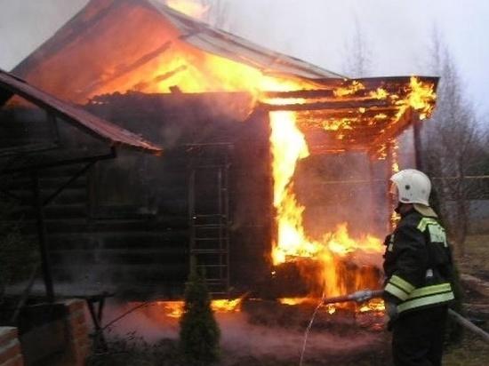 В воскресный день в Ивановской области сгорел большой дом