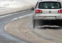 Из-за снегопада в Саратовской области закрыли движение по федеральной трассе
