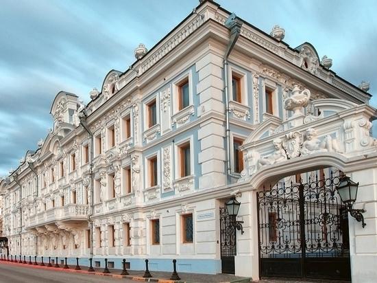 Нижегородские музеи и театры показали онлайн-выставки и спектакли
