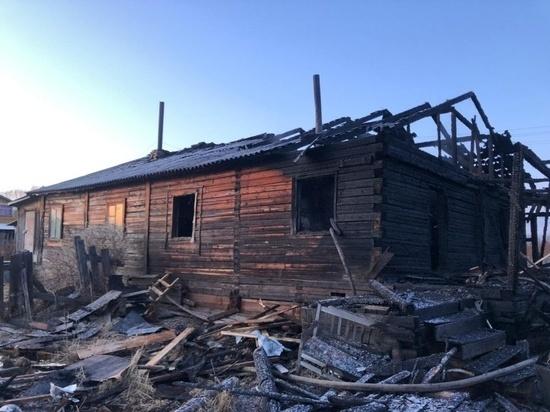 В посёлке Конёво дом лишился кровли из-за пожара