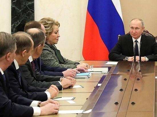 """Кремль уточнил, распространяются ли на Путина введенные Собяниным ограничения """"65+"""""""
