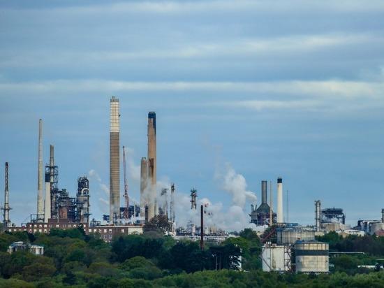 Reuters: Россия планирует увеличить скидку на нефть для Белоруссии