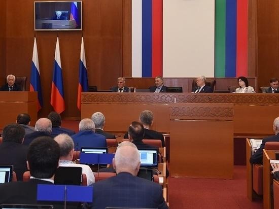 На сессии дагестанского парламента будет дежурить Главный санитарный врач по РД
