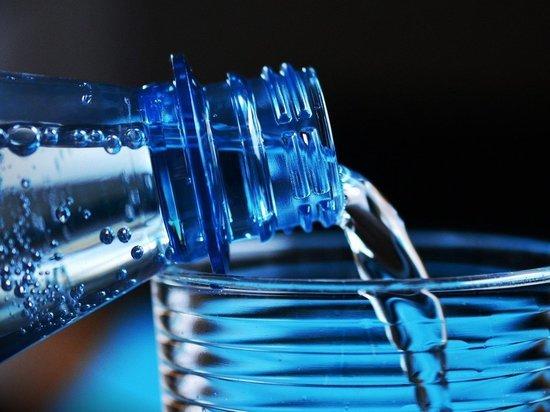 Медики выяснили, живет ли коронавирус в питьевой воде