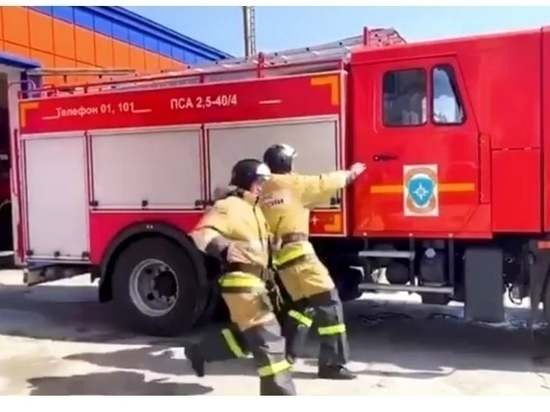 Оборудование цеха по розливу минеральной воды горело во Владикавказе