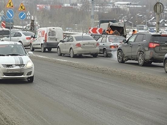 Утренний снегопад 24 марта в Нижнем Новгороде стал причиной пробок