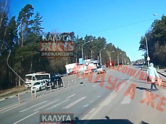 ГИБДД озвучила первые подробности ДТП с автобусом в бору Калуги