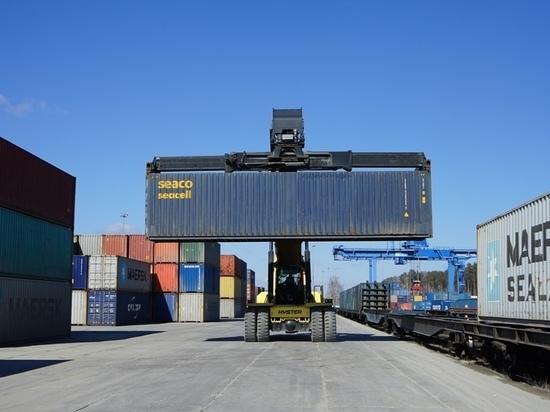 СвЖД удвоила количество ускоренных контейнерных поездов в порт Автово