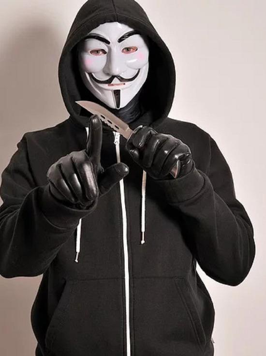 Рецидивист-грабитель нападал с ножом на женщин в Алейске