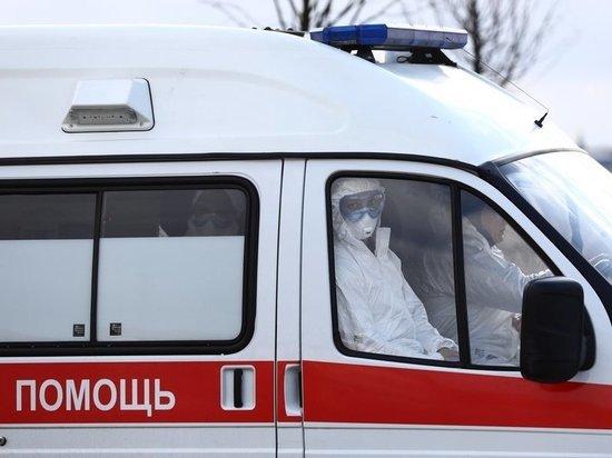 Все находятся в  НИИ Склифосовского: двое подключены к аппарату ИВЛ