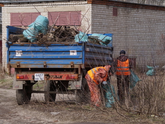 В Иванове мэр лично проверил, как вывозится мусор и проводится уборка общественных территорий