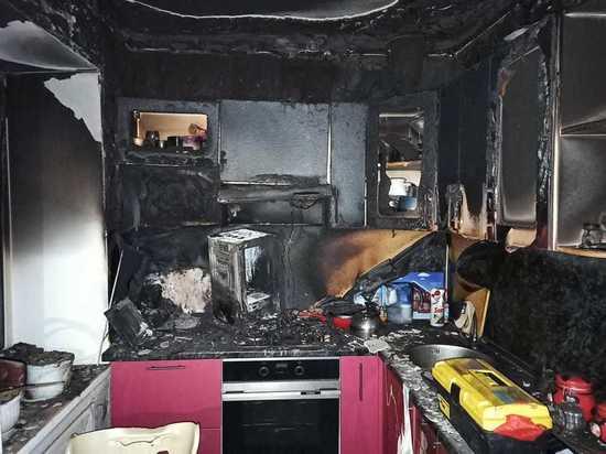 Неадекватный гражданин устроил утечку газа и пожар в екатеринбургской многоэтажке