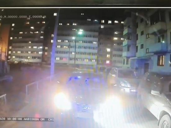 В Ярославле упертый водитель не пропустил скорую помощь к больному ребенку