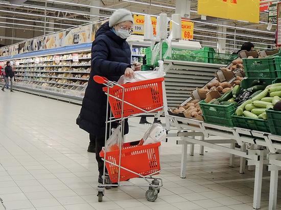 Оптовики сообщили о спровоцировавших подорожание социально значимых продуктов россиянах