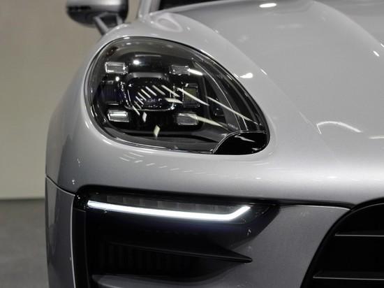 Porsche отзывает в России свыше 5 тысяч кроссоверов Macan