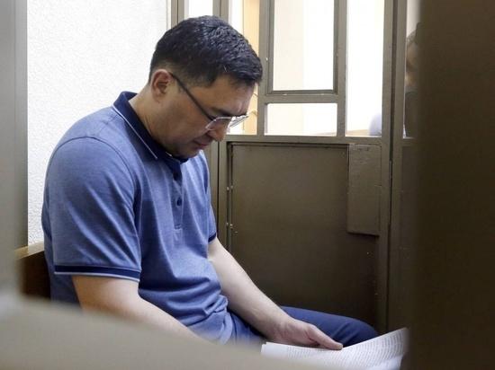 Суд продлил срок экс-главе астраханского кабмина Расулу Султанову