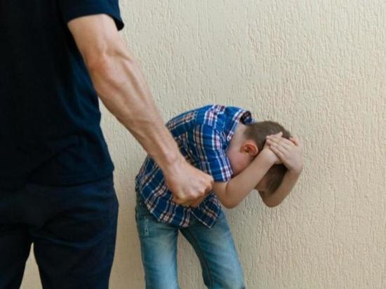 Житель Чувашии истязал 13-летнего сына, защищавшего свою мать
