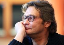 Популярный артист Александр Домогаров покинул МХАТ им
