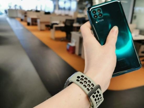 Молодежный оптимум: как выглядит смартфон c балансом цены и качества