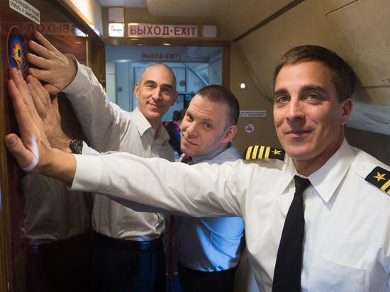 Коронавирус изменил предполетный ритуал нового экипажа МКС