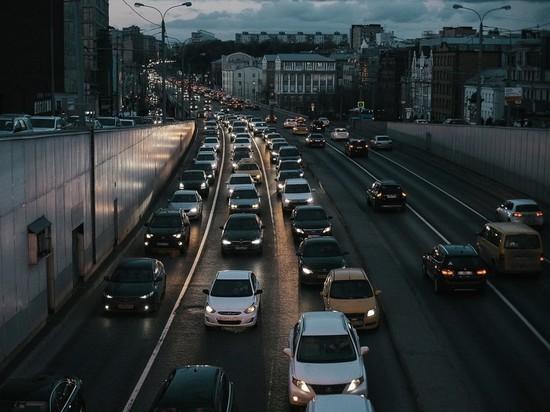 Нарушителей карантина в Москве будут отслеживать по автомобилям