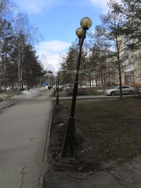 «Пизанские» фонари заметили в Барнауле