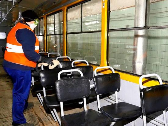 Как дезинфицируют электротранспорт в Барнауле