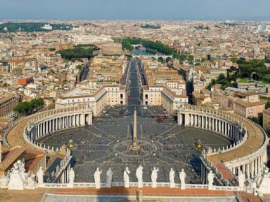 СМИ сообщили о заражении коронавирусом сотрудника Госсовета Ватикана