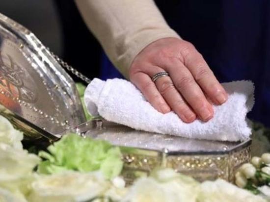 Православная профилактика: в храмах Колымы отменили целование