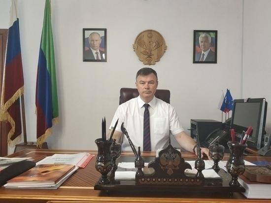 У главы Кизлярского района Дагестана всё ещё проходят обыски