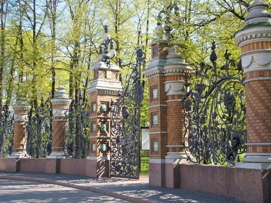 Смольный запретил посещать 38 городских парков и скверов
