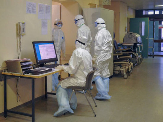 Ученые рассказали, как борьба с коронавирусом сказывается на психике врачей