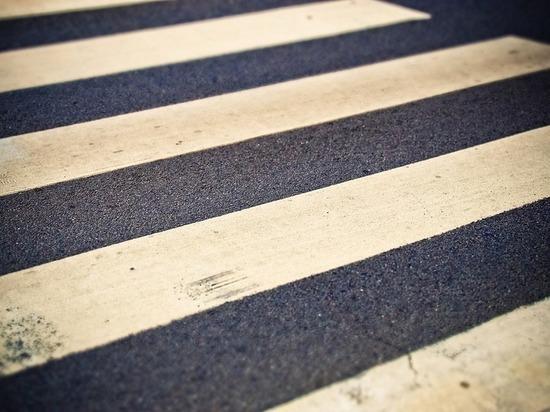 В краску для разметки псковских дорог добавляют стеклошарики