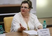 Елена Хрусталева предложила раздавать спирт депутатам