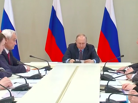 Экономисты призвали принять в России срочные меры из-за коронавируса
