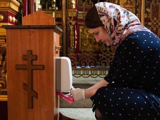 В РПЦ ослушались запрета нарушать карантин, сославшись на Конституцию