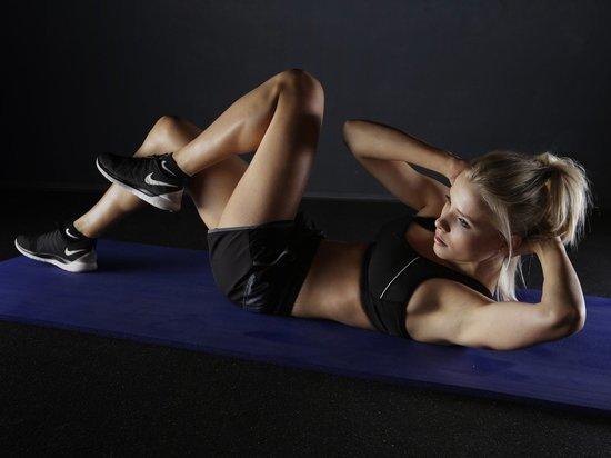 Чем заняться на карантине: гуру фитнеса учат тренироваться дома