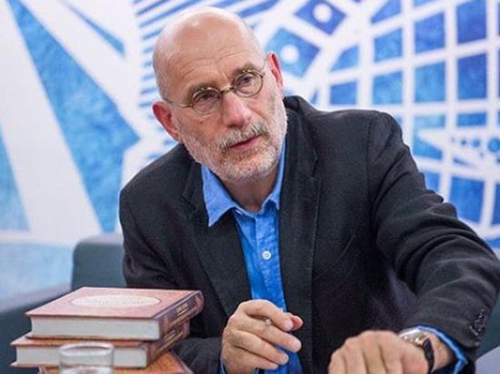 Писатель Борис Акунин рассказал, как перенес коронавирус