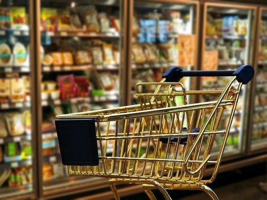 «Без денег трудно»: жители Италии готовятся к штурму супермаркетов