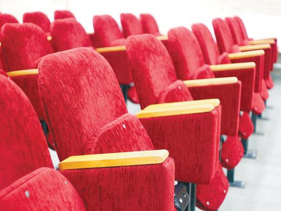 Кинотеатрам придется выживать: откроются не раньше июля