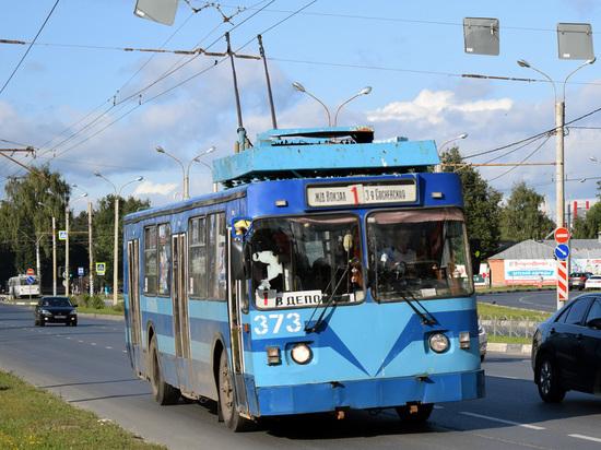Число троллейбусов, выходящих на маршруты областного центра, сокращено на треть — такое решение было принято руководством МУП «ИВП»