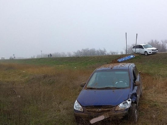 В Калмыкии на дорогах погибло 2 человека, 15 ранено