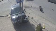 В Калуге машина вылетела на тротуар и сбила пешехода