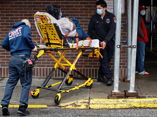 В больницах Нью-Йорка происходит катастрофа