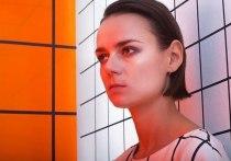 «SØS»: переболевшая коронавирусом артистка из Красноярска выпустила новый клип