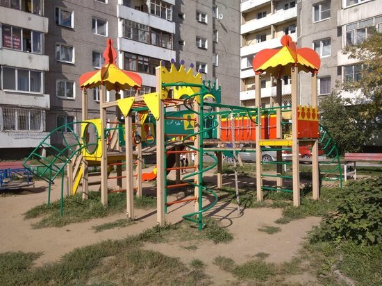 В Иркутске вводят ограничение доступа к детским и спортивным площадкам