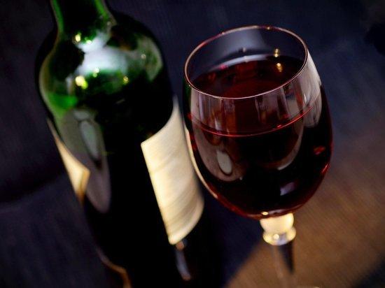 Россиянам объяснили, почему не следует пить во время пандемии