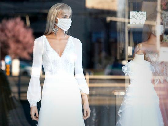 Жителей Хакасии просят перенести торжественные регистрации брака
